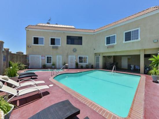 El Monte, Kalifornien: Pool Area