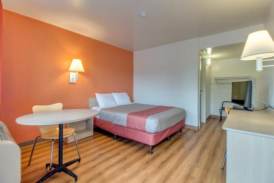 Motel 6 Venice: Guest Room
