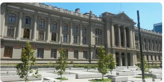 Santiago, Chile: Fachada do Palácio da Justiça