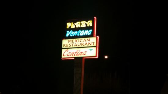 Photo of Mexican Restaurant Plaza Ventana Mexican Restaurants at 5088 N Blackstone Ave, Fresno, CA 93710, United States