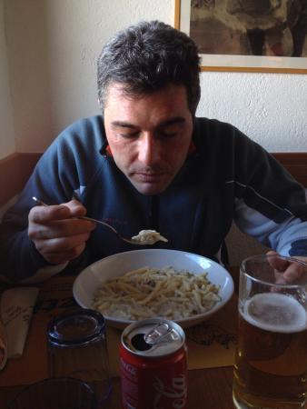 Yeti Restaurant: photo1.jpg