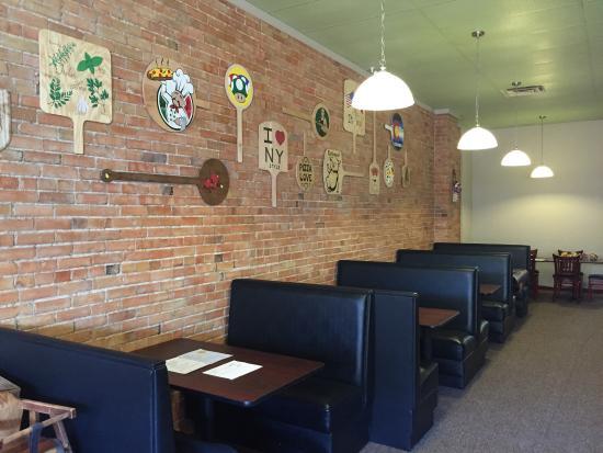 Brickhouse Pizzeria