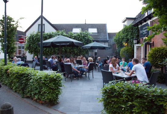 Dieren, Nederländerna: detail terras