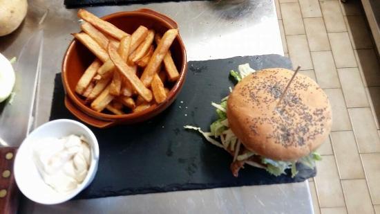 Chatillon-sur-Indre, Frankrig: Miam superbe burger