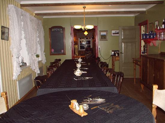 Ensku Husin Guesthouse Photo