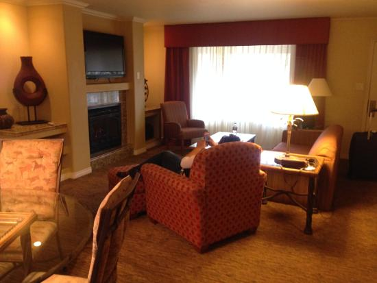 living room of cottage picture of best western plus arroyo roble rh tripadvisor co za