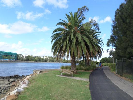 Homebush, Australia: Walk along the River