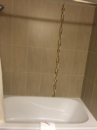 Days Inn Calgary Northwest: Bathroom