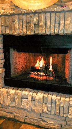 San Mateo, CA: Fireplace