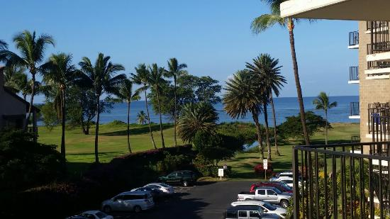 Kauhale Makai, Village by the Sea: Great view from even cheaper rooms