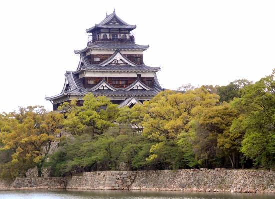 20160102_153450_large.jpg - Picture of Hiroshima Castle ...