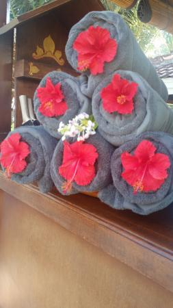 เมเลียบาลีอินโดนีเซีย: pool towels