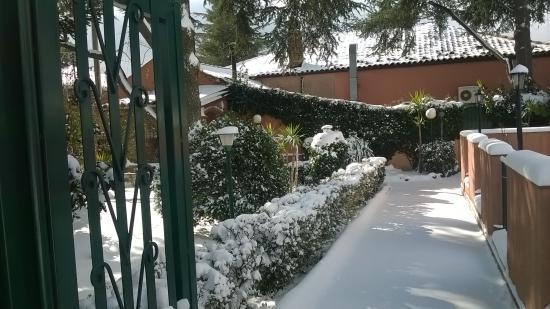 Ragalna, Italië: Neve al ristorante