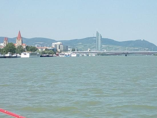 Danube Canal (Donau Kanal): View on the river