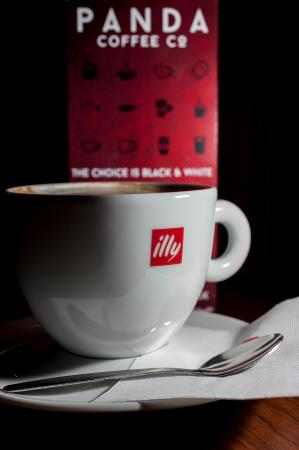 Bolton, UK: Great Illy coffee