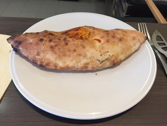 Pizza Gino : Une vraie Calzone..