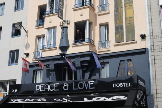 和平與愛酒店