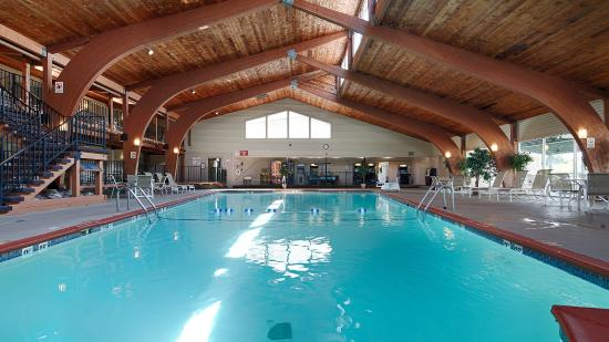 Best western plus plattsburgh 100 1 3 8 updated 2018 prices hotel reviews ny for Hotels in vegas with indoor swimming pools
