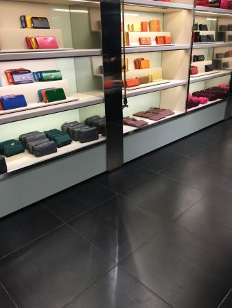 Prada Outlet (Space): photo4.jpg
