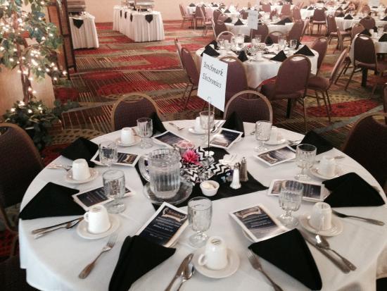 Winona, MN: Table Set-up