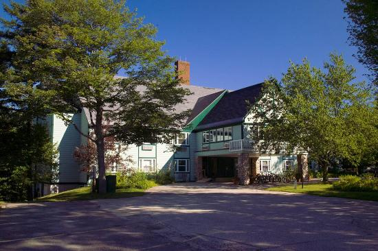 Best Western Silver Fox Inn : Exterior Summer