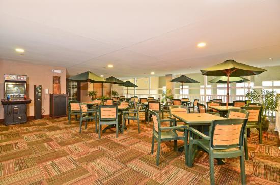 Photo of BEST WESTERN PREMIER Bridgewood Resort Hotel Neenah