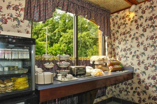 Staunton, VA: Breakfast Area