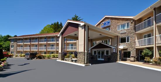 Best Western Plus Landmark Inn : Exterior
