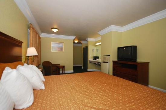 Willits, CA: King Guest Room