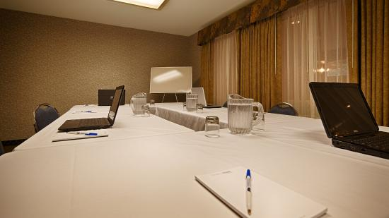 BEST WESTERN Inn at the Rogue: Meeting Room