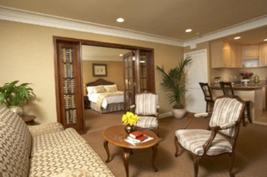 Best Western Plus Sunset Plaza Hotel: Two Room Suite