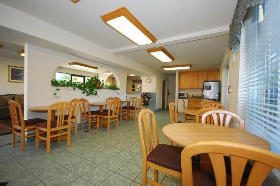 Cloverdale, كاليفورنيا: Breakfast Area