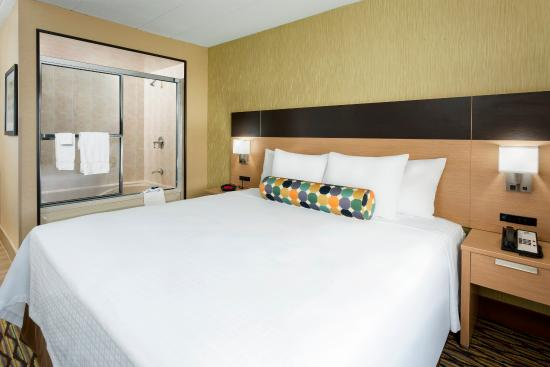 Lakewood, Nueva Jersey: King Whirpool Guest Room