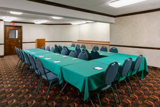 Lakewood, NJ: Meeting Room