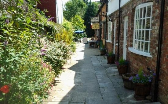 Blandford Forum, UK: The Georgian Passage