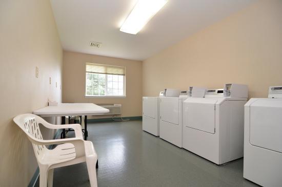 Best Western Plus Kennewick Inn: Laundry Facilities