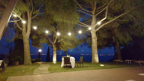 San Michele Residence: Outdoor restaurant at pool area