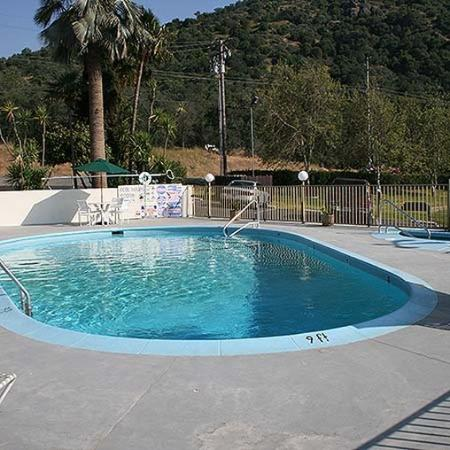Western Holiday Lodge Three Rivers Pool