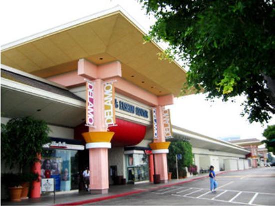 Lawndale, Californie : Del Amo Fashion Mall - A Shoppers Paradise!