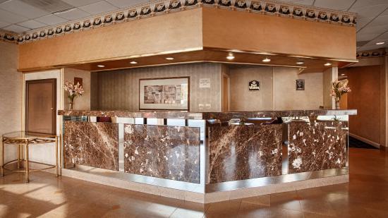 BEST WESTERN Pentagon Hotel - Reagan Airport: Front Desk