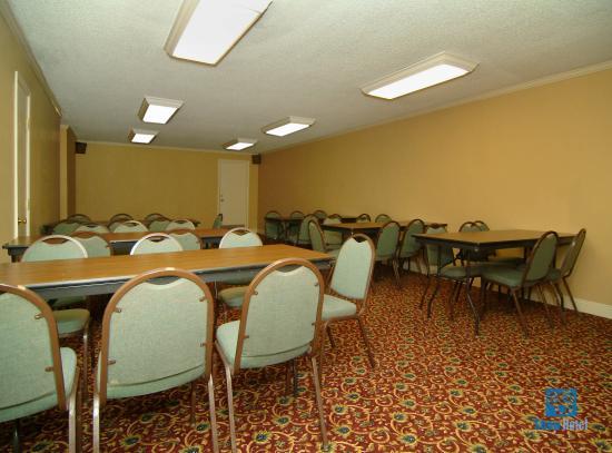Best Western Forest Inn : Meeting Room