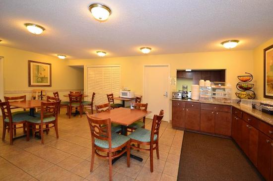 BEST WESTERN Oak Manor: Breakfast Area