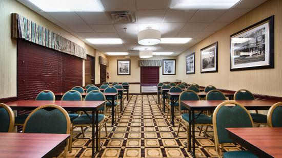 BEST WESTERN Galleria Inn & Suites: Meeting Room