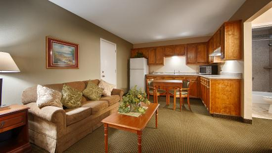 BEST WESTERN Inn of Brenham: Suite