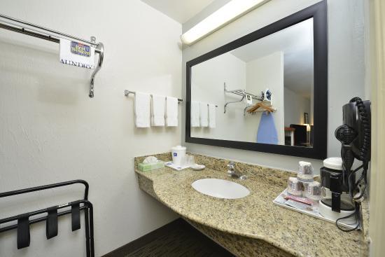 Ingleside, TX: Guest Bathroom