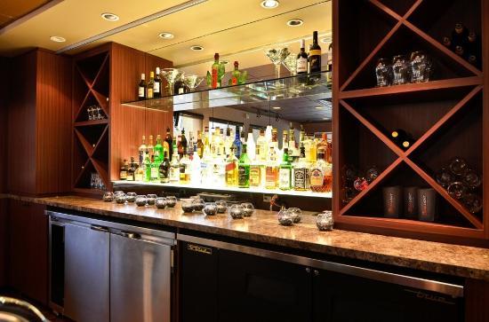 Best Western Plus Langley Inn: Bar/Lounge