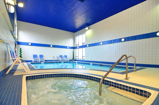 BEST WESTERN PLUS Regency Inn & Conference Centre: Indoor Pool & Whirlpool