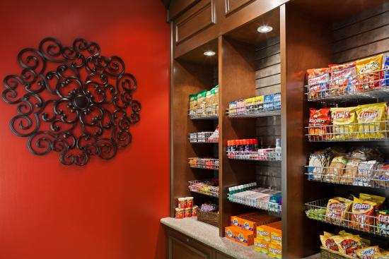 Independence, MO: Pavilion Pantry