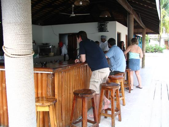 CocoLaPalm Resort: Beach bar