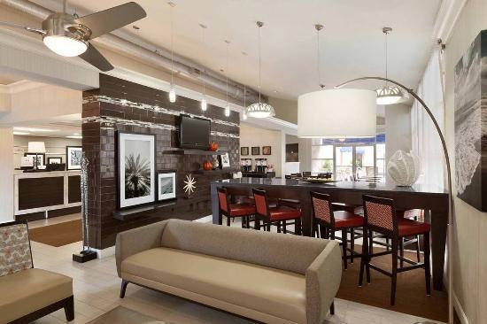 Hampton Inn & Suites Ft. Lauderdale Airport/South Cruise Port: Lobby